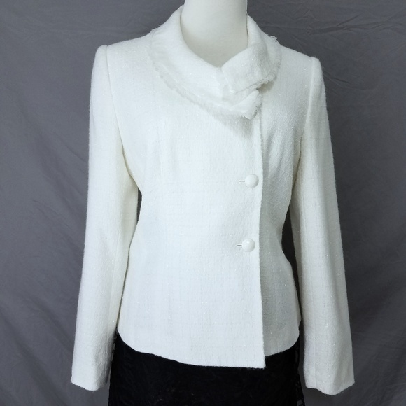 Worthington Jackets & Blazers - Winter White Fitted Blazer Sz 8